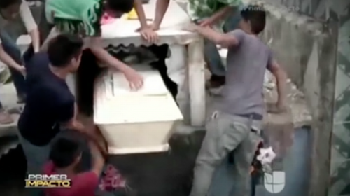 Neysi Perez ,16, had been buried alive ..but woke up in the coffin!